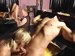 SwingersOrgy inCasTle ch3