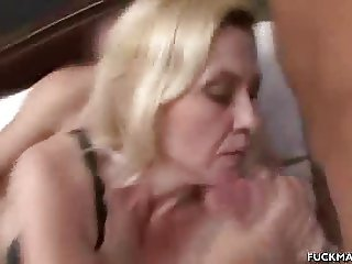 Mature Gets Cum In The Mouth After A 3some