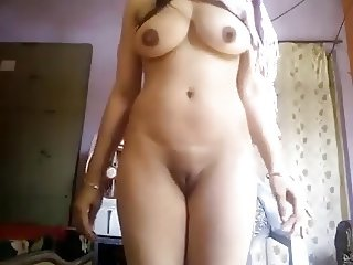 Super Hot Big Boobs Desi Girl Nude Selfie