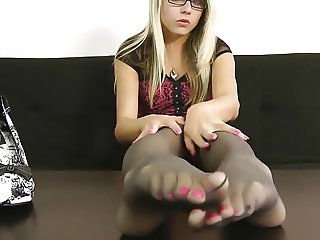 Feet  Nylon Tease