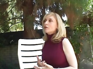whore fuck recently divorced mom janet in her back yard
