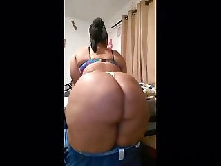 Black BBW Showing Ass