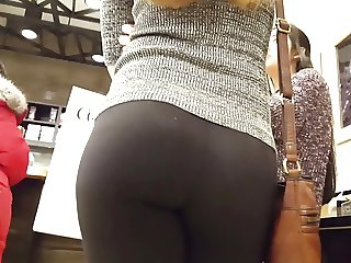 Beautiful ass in leggins