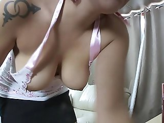 Making work of the house downblouse