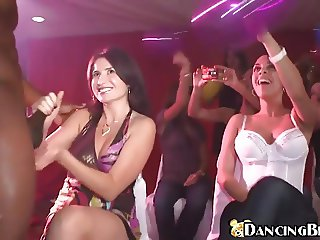 CFNM girls suck male strippers