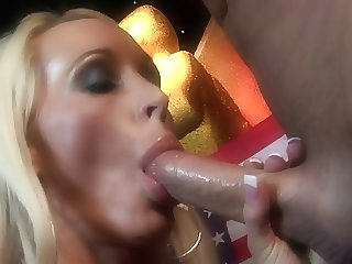 Carolyne and friends very satisfied with the cum-sucking romance
