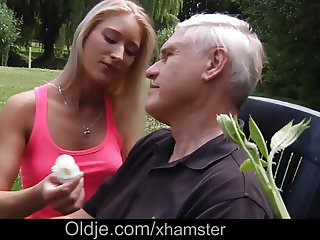 Teen Outdoor Fuck And Sucking Cock From not Step dad
