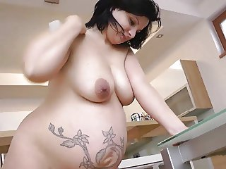 Pregnant Pavlina oil lactating and masturbating