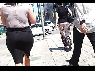 Brunette Whooty In A Skirt(Lunchtime)