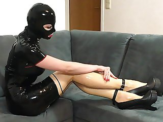 Bupshi - latex and new extreme heels