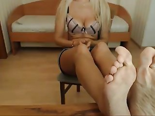 INSANE MILF CAM FEET SOLES - NO SOUND