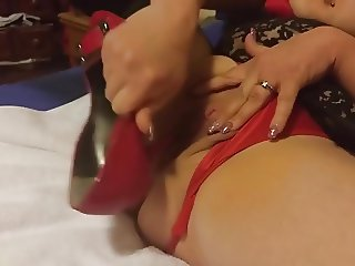 Heel play - multiple pairs + multiple squirts