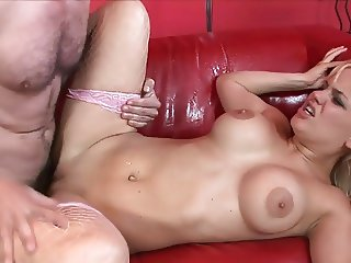 blonde bimbo squirts and gets fucked hardcore by bwc
