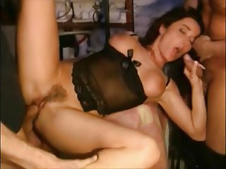 Hairy Girl 3some Fuck