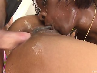 Ana Foxxx And Kira Noir Enjoyed Threesome