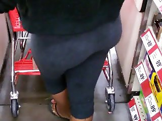 Candid ebony booty rearview ent
