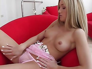 British Teen Daisy Solo