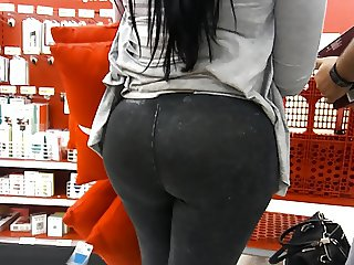 Bubble Ass Latina in Black Jeans