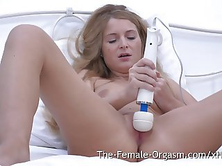 Horny MILF Vibes Wet Slit to Twitching Twat Orgasm