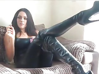 Sexy Smoking Leather Girl