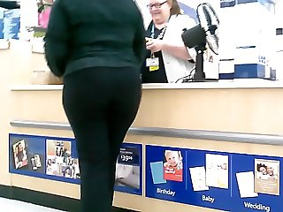 Creeping on this Ebony Big Butt glASSes ( Repeat )