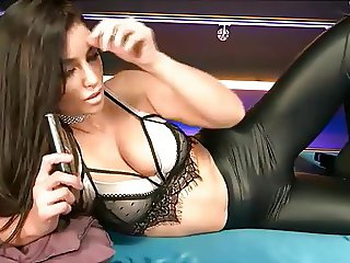 stunning brit tv call in girl Scarlett