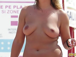 Hot Topless Amateur Sexy MILFs - Voyeur Beach Close Up