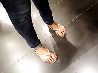mature fr's sexy big toes
