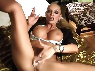 Smoking Domina playing - 1