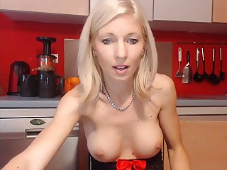 Sexy Teen Blonde( Snap-lilycute69) Fingers Her pussy