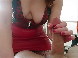 London slut milf gets to grips with a huge load of cum