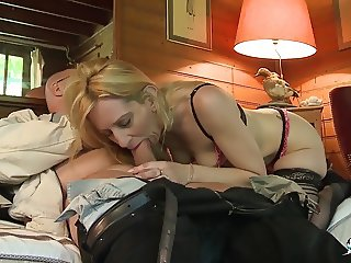 LA COCHONNE - French blonde gets rough DP in MMF threesome