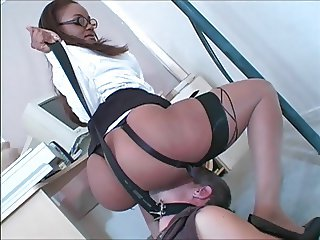 Slave pleases Mistress in office