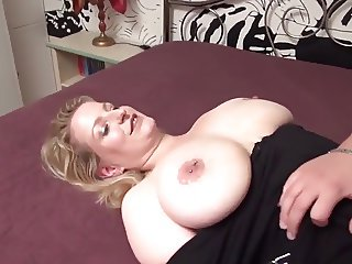 Hot big tits mom