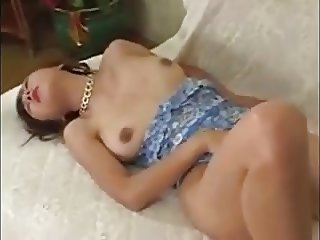 japanese beautiful milf masturbetion