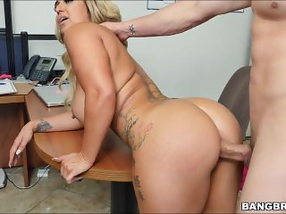 Nina kay The Anal Surprise