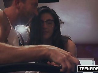 TEENFIDELITY Nerd Girl Jenna Reid Gets a Creampie