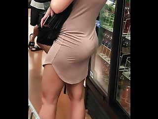 Milf with nice jiggly ass