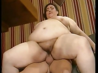 UGLY SSBBW MATURE FUCKED IN ROOM