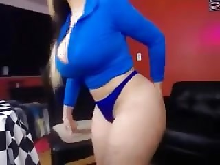 Big Booty babe wearing blue