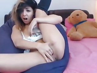 Mixed race babe squirting