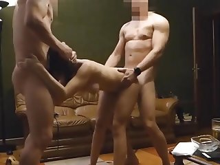 trio sex au salon
