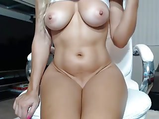 Home D20 - Hot blonde cam girl