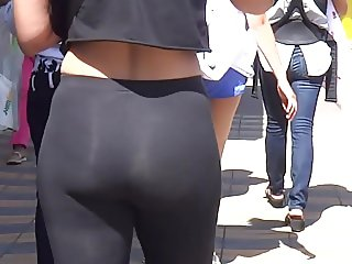 PAWG TIGHT BLACK LEGGINGS ASS