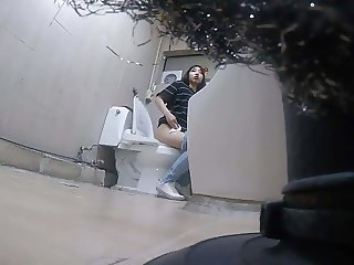 Korean girl using toilet part 2