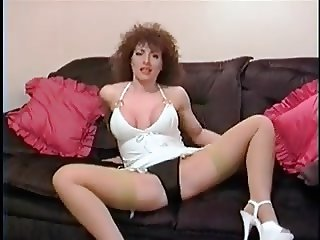 Amateur Lynda Leigh Shows Her Panties, Stockings, & Heels