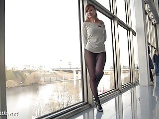 Jeny Smith transparent leggings flashing