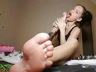Hot russian bare foot fetish