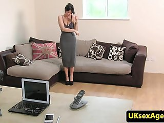 Cheeky UK casting babe deepthroating agent