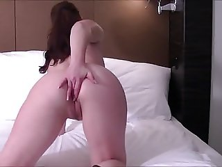 Fuckbuddy Doing Herself In Hotel Room